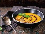 Крем супа от тиква, батат (сладък картоф), сметана и соево мляко